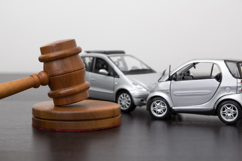 Typische Rechtsbeispiele: Arbeitsrecht, Strassenverkehrsrecht, Versicherungsrecht
